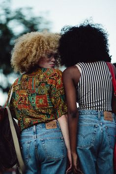 ✨💜✨Poppin Pins for more celebration of Beauty Tips, Glamour and Culture✨ 💜✨ Join our Group Boards ! for more pins == Ideas you might love ✨💜✨ High low skirt = Afrofuturism fashion = Afro punk hairstyles = Afro Punk, Black Girl Magic, Black Girls, Mode Old School, Mode Style, Style Me, Black Is Beautiful, Beautiful People, Moda Afro