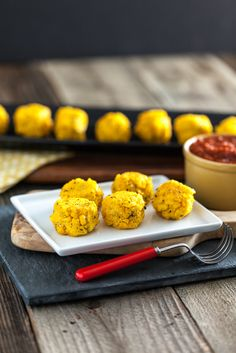 Polenta Cornballs with Easy Spicy Marinara Sauce. #vegan #glutenfree #soyfree