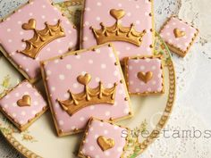 Last week, Callye of Sugarbelle and Georganne of LilaLoa had their baby girls on the same day! To welcome the new tiny princesses of cookies, a few of my cookier friends put together this virtual royal baby shower. Here's what you'll need for t