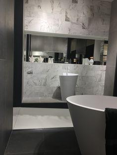 Marmoroptik Ist Ein Absoluter Topseller Unter Den Fliesenoptiken #badezimmer  #badewanne #waschbecken #spiegel #grau #weiß #marmor #marmoroptik #bath ...