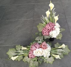 Church Flower Arrangements, Floral Arrangements, Wedding Table Centerpieces, Fall Flowers, Decoration, Floral Wreath, Funeral, Wreaths, Floral Design