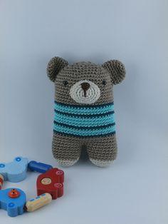 gehäkelte Rassel Bär (von lanukas) crochet baby rattle bear