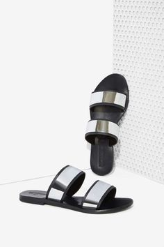 Sol Sana Evie Leather Sandal - Metallic | Shop Shoes at Nasty Gal!