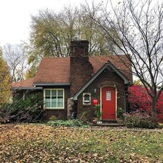 2042 best small cottages images little cottages small cottages rh pinterest com