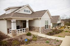 Simple and decent Most U.S. and Canadian Habitat houses share the following characteristics: Habitat for Humanity