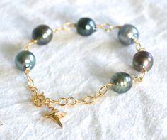 Tahitian Pearl Manō/Chalcedony Bracelet sterling silver by Laanei