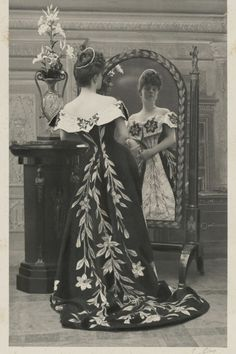 La comtesse Greffulhe, née Elisabeth de Caraman-Chimay (1860-1952), wearing Worth black and white lily evening gown