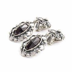 Massief zilveren Jugendstil oorclips met granaten koop je bij Aurora Patina, het leukste adres voor vintage en antieke sieraden!