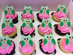 Owl cupcakes by Designer Cakes By April, via Flickr