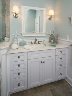 yes! white and sea blue (maybe shades of blue sea glass?) and beachy!