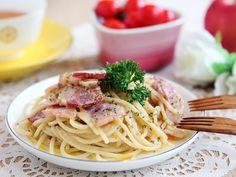 Spaghetti with Bacon Cream Sauce daydaycook.com