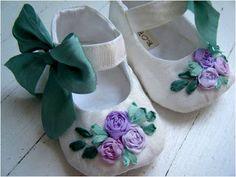 baby shoes                                                                                                                                                                                 Mais
