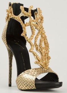 Jennifer Lopez Flaunts Cleavage in Mini Dress and Giuseppe Zanotti Heels #giuseppezanottiheelsgold