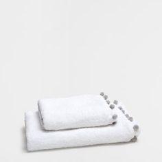 CROCHET AND POMPOM COTTON TOWEL