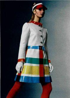 A 1969 L'Officiel de la mode jacket. That i would wear in a heartbeat.