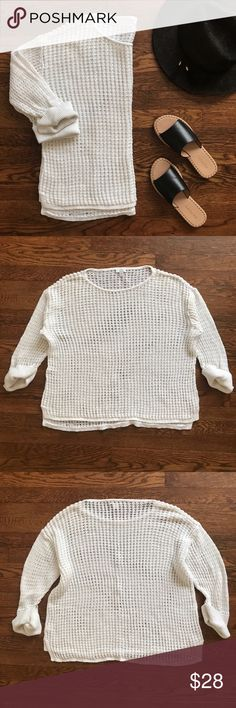 """J. Jill Loose Knit Sweater Great condition! White loose Knit pullover sweater.  • Length 22 1/2"""" l Armpit to Armpit 24"""" l Shoulder to Shoulder 22"""" • All measurements are taken on flat garment  • No Trading  • Reasonable Offers are Always Welcomed  • Ask Me For a Bundle Discount!! J. Jill Sweaters"""