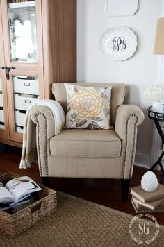 HOW TO CHOOSE THE PERFECT ACCENT CHAIR AND A GIVEAWAY