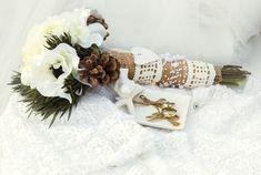 White Winter wedding bouquet,winter bouquet,winter wedding bouquet with pinecones, pinecone bouquet Wedding Images, Wedding Tips, Summer Wedding, Wedding Styles, Our Wedding, Rustic Wedding, Peony Bouquet Wedding, Wedding Flowers, Bridal Bouquets
