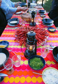 Rakas vanha valkoinen taloni Paella, Table Settings, Table Decorations, Ethnic Recipes, Food, Home Decor, Decoration Home, Room Decor, Essen