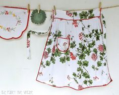 Geranium . Vintage Half Apron . red white green flower garden hand-made cafe . etsyau australian wandarrah oz au australia brisbane QLD