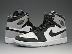 With a tentative release date set for May the Barons Air Jordan 1 Retro High OG is back again today with some fresh new images for all of your sneak Nike Air Jordans, Nike Air Shoes, Nike Socks, Jordan Shoes Girls, Air Jordan Shoes, Girls Shoes, Jordan Outfits, Michael Jordan Shoes, Sneakers Mode