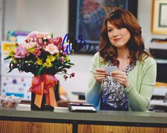 Ellie Kemper Autographed Signed 8X10 Photo COA 'Erin The Office