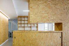 Trabajo realizado por Natural Wood. Puedes ver todos los detalles y fotos en el enlace. #Zaragoza #instalacionescomerciales #carpinteria #muebles Natural Wood, Divider, Cabinet, Storage, Room, Lovers, Furniture, Design, Home Decor