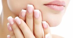 Faça seu próprio removedor caseiro de cutícula sem usar alicate Reverse French Manicure, French Nails, Ongles Forts, Grow Nails Faster, Fast Nail, Types Of Manicures, Nail Care Tips, Nails Polish, Strong Nails