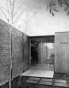 Craig Ellwood - Case Study House No. 17 - 2 of 15 Vintage Architecture, Architecture Magazines, Art And Architecture, Architecture Details, Craig Ellwood, Mid Century Exterior, Arch House, Mid Century House, Mid Century Modern Design