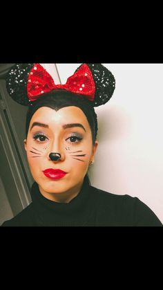 Minnie Mouse make up