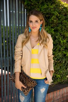 Street style | Brown and yellow striped shirt with pale brown jacket
