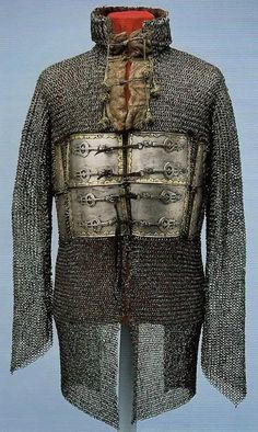 Indian mail-and-plate armour (zirah bagtar), Mughal from Datia, about 1600 (Royal Armouries). Armadura Medieval, Types Of Armor, Mughal Empire, Arm Armor, Medieval Armor, Ottoman Empire, Middle Ages, Middle East, Panzer
