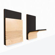 Strapontin automatique articulé JumpSeat Wall de SediaSystems : extra-plat, usage intensif, élégant et disponible dans un grand choix de finitions.