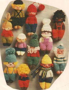 Een vrolijk elftal van kleine poppetjes | Knuffels-breien-en-haken.jouwweb.nl