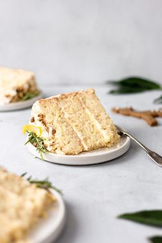 Fluffy and moist vegan lemon and elderflower cake with chai spice biscuits. This vegan showstopper is sure to impress your friends and family. Vegan Sweets, Vegan Desserts, Just Desserts, Vegan Recipes, Baking Recipes, Cake Recipes, Dessert Recipes, Cupcakes, Cupcake Cakes