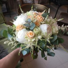 Brudebukett med peoner, roser, eucalyptus og astilbe Astilbe, Floral Wreath, Wreaths, Wedding, Home Decor, Valentines Day Weddings, Decoration Home, Door Wreaths, Room Decor