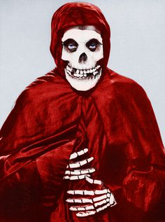 The Crimson Ghost (1946)