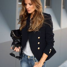 Blazer and jeans. Effortless chic.