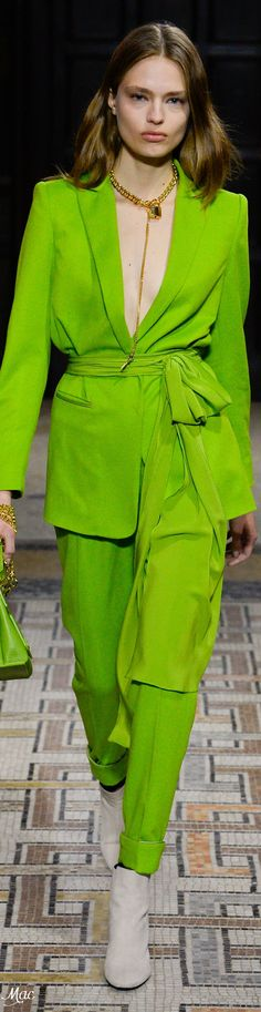 Green by Vionnet Green Fashion, Colorful Fashion, Autumn Fashion, Fashion 2017, Fashion Outfits, Pantsuits For Women, Pant Suits, Green Pants, Swagg