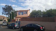 EXCLUSIVITE: Villa de  type 5 indépendante ,114m² habitables sur 314 m² de parcelle,grand séjour, cuisine équipée avec cellier, 2 chambres et salle de bains en rez-de-chaussée et 2 chambres, salle d'eau à l 'étage. Terrasse couverte avec barbecue, jardin paysagé . Fonctionnelle. Proche toutes  commodités . DPE :   D            PRIX : 209 000€ www.philippecongnard.com