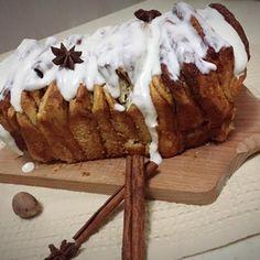 Turtă cu scorțișoară Bread, Desserts, Food, Tailgate Desserts, Deserts, Brot, Essen, Postres, Baking