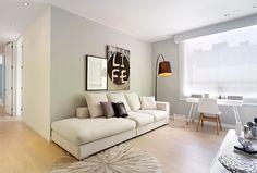 Hace un año que los propietarios de este apartamento –una pareja de recién casados– se mudaron a su primer hogar, un lugar…