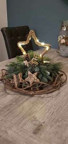 Pin by Yvonne Wilmot on Christmas decorations Winter Christmas, Christmas Home, Christmas Crafts, Christmas Centerpieces, Christmas Decorations, Holiday Decor, Christmas Ornament Wreath, Christmas Wreaths, Advent Wreath Candles