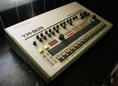 Roland TR-909 in full glory.