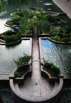8 Best Modern Ideas-Day Moats That Float Our Boats Sunken water garden in the middle of the Barbican, opened Landscape Design PrinciplesEight rules for creating a residential garden that is neither fussy nor constraining. 4 Garden Design Calimesa, CA Design Exterior, Urban Landscape, Landscape Designs, Hawaii Landscape, Landscape Curbing, Landscape Mode, Desert Landscape, Landscape Fabric, Landscape Photos