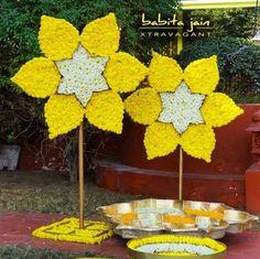 Housewarming Decorations, Diy Diwali Decorations, Backdrop Decorations, Indian Wedding Decorations, Handmade Decorations, Flower Decorations, Backdrops, Decor Wedding, Birthday Decorations