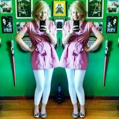 Look do dia: brechó Dia mais tranquilo de trabalho pede look simples, porém fofo com blusa estilo trench coat garimpada em brechó, legging de lojinha da Saara e anabela antiguinha!