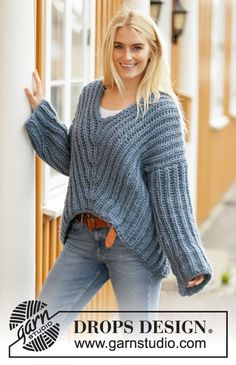 Post a comment to pattern ~ DROPS Design Free Chunky Knitting Patterns, Jumper Knitting Pattern, Knitting Designs, Chunky Knit Jumper, Chunky Crochet, Drops Design, Jumpers For Women, Sweaters For Women, Pull Long