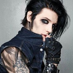 andy's 2012 look was everything tbh