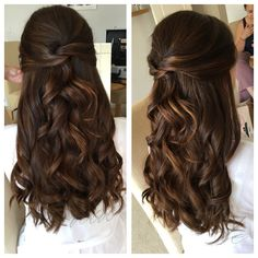 Wedding Hair Down everything tv diy makeup hairstyles nail art Quince Hairstyles, Homecoming Hairstyles, Wedding Hairstyles For Long Hair, Bride Hairstyles, Down Hairstyles, Long Curly Bridal Hair, Prom Hairstyles Half Up Half Down, Hair For Prom, Prom Hair Down